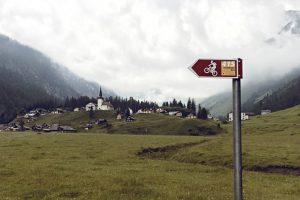 Alpkaeserei-Urnerboden_104_Wegweiser